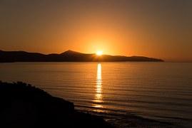 sunrise-679109__180[1]