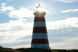 lighthouse-689566__180[1]
